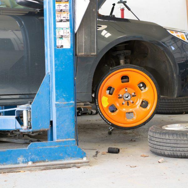 Car wheel replaced by Guniwheel
