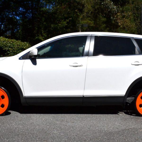 white car using Guniwheel