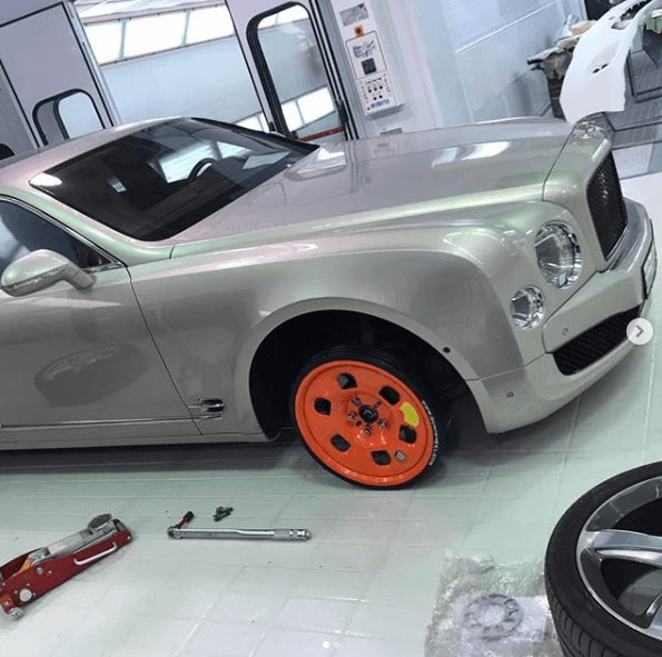 classic car using Guniwheel